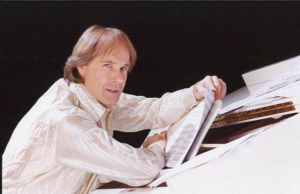 Richard-Clayderman-piano-sheet-big-piano